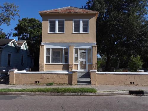 1490 Windle Street Photo 1