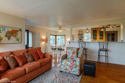 2644 Terrace Street Photo 1