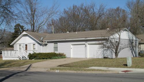 409 E Whitney Street Photo 1