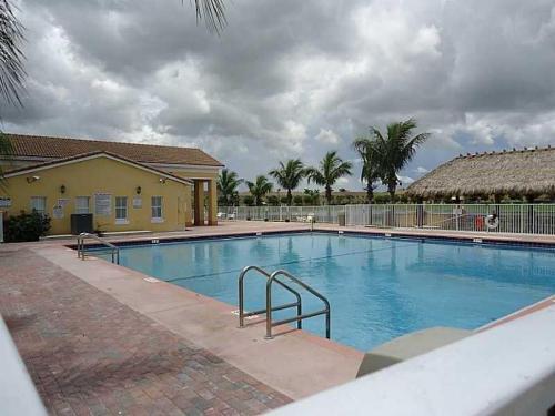 2637 SE 16th Terrace Photo 1