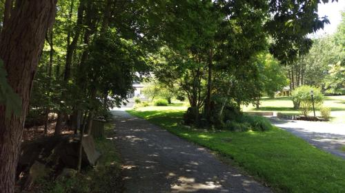 Taxter Road Photo 1