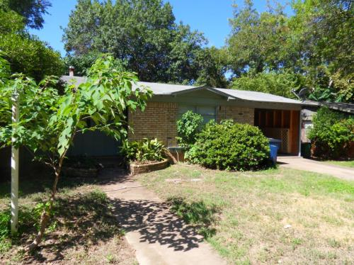 1807 Forestglade Drive Photo 1
