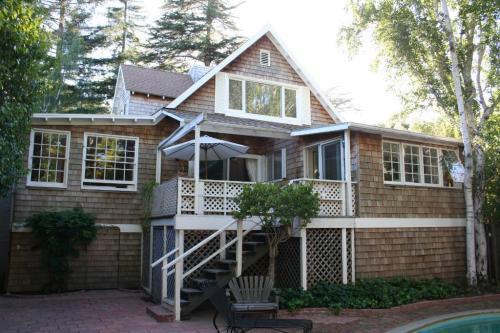 43 Redwood Drive Photo 1