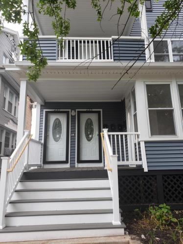 237 W Hazel Street #3RD Photo 1