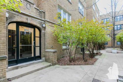 6775 W Wrightwood Avenue Photo 1
