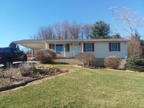 6140 Meadow Road Photo 1