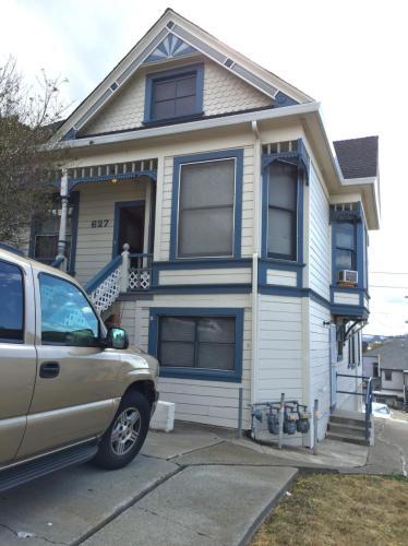 627 Maine Street #B Photo 1