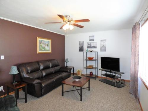 1505 10th Avenue NE Photo 1