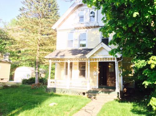 17 Hobson Avenue #1 Photo 1