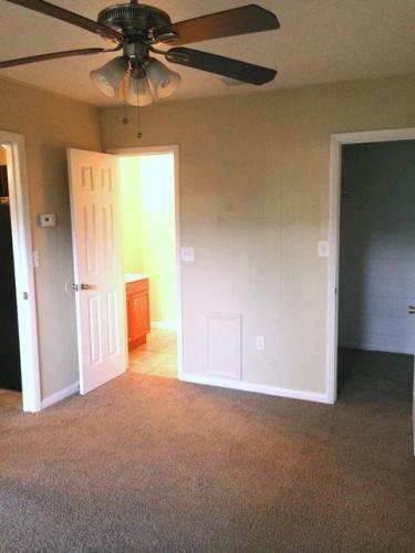 2241 W Pensacola Street Photo 1