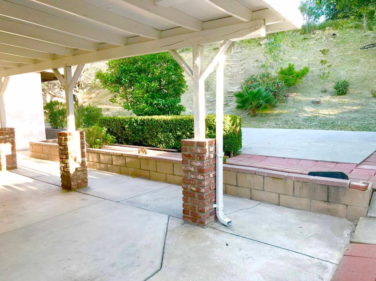 Access Woodland Hills >> 20808 Clark Street Woodland Hills Ca 91367 Hotpads
