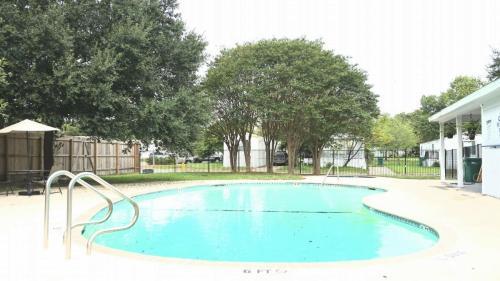 8259 Montgomery Oak Photo 1