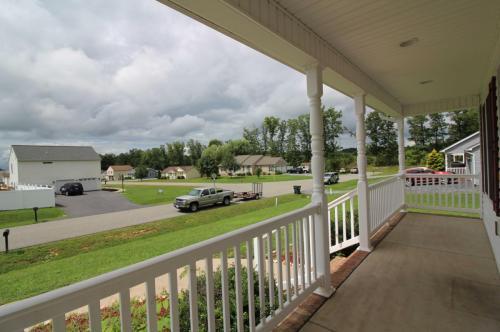 109 Cedarcrest Drive Photo 1