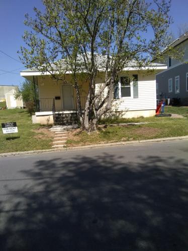 1404 Moring Street Photo 1