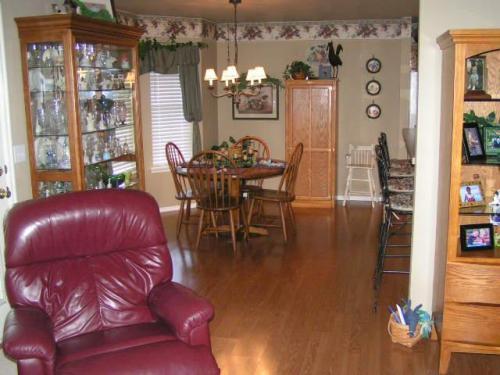 13752 S Oak Place Photo 1