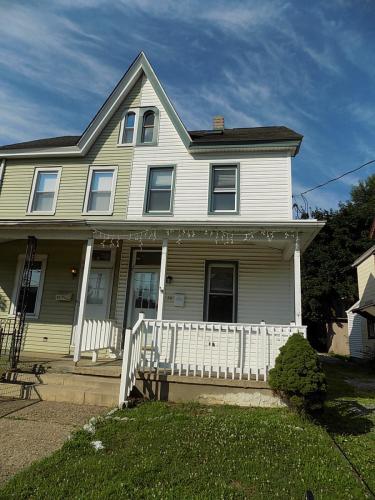 36 Chapel Avenue Photo 1