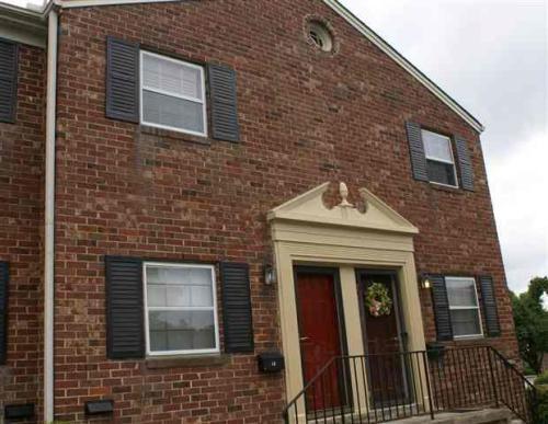 2530 E North Street Photo 1