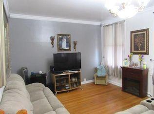 557 Roosevelt Avenue Photo 1