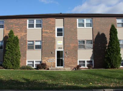 1502 Northbrook Drive Photo 1