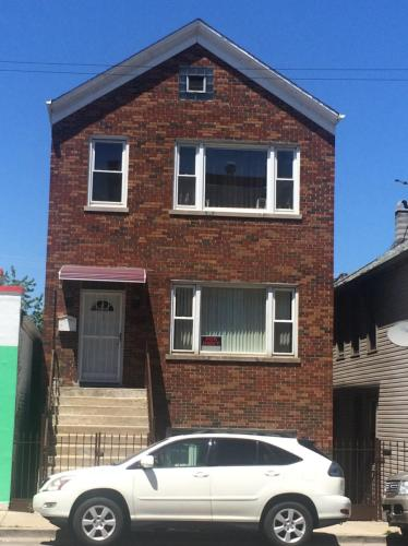 1834 W Cermak Road #FIRST FLOOR Photo 1