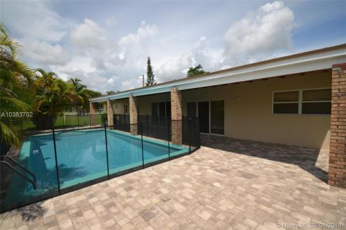 17400 SW 89th Court #HOUSE Photo 1