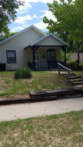 505 N Garfield Avenue Photo 1