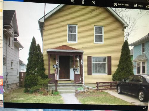 1319 1/2 Jerome Street Photo 1