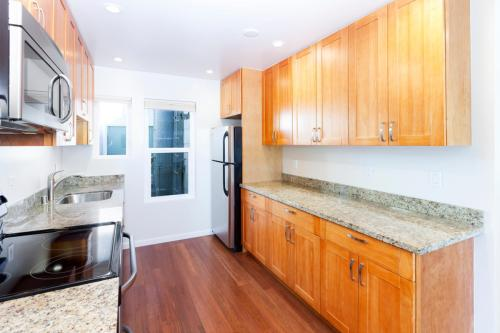 Apartment Unit For Rent. 125 4th Avenue Photo 1