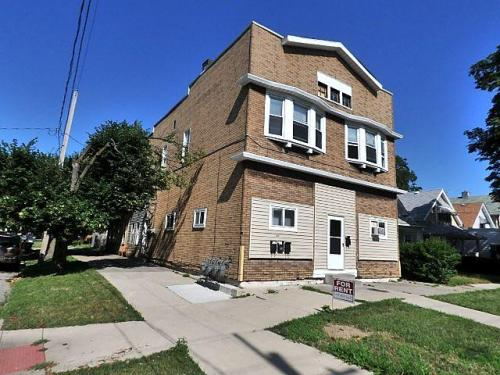 3227 Maple Street #3C Photo 1