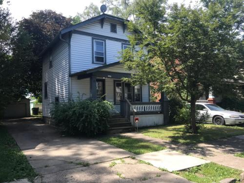 1417 E Maynard Avenue Photo 1
