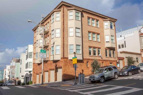 490 Lombard Street #5 Photo 1