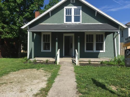 922 Holmes Street Photo 1