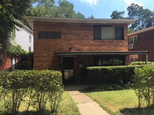 3139 Beechwood Boulevard Photo 1