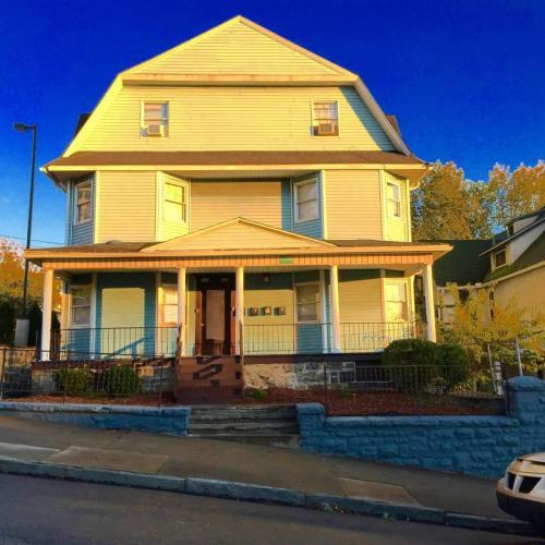 426 N Webster Avenue Photo 1