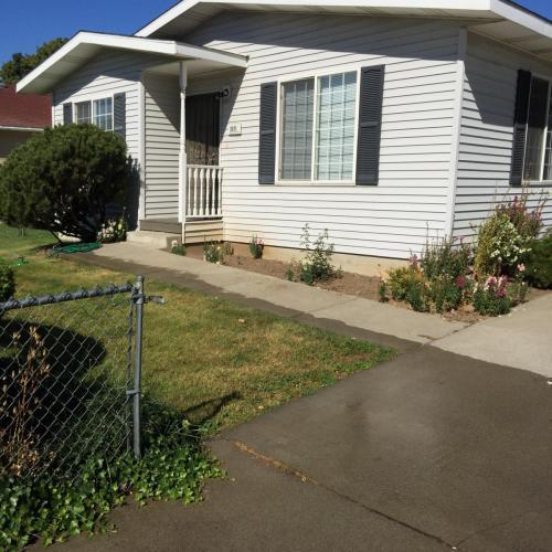 3011 E Fairview Avenue Photo 1