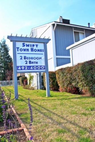1460 W Swift Avenue #106 Photo 1