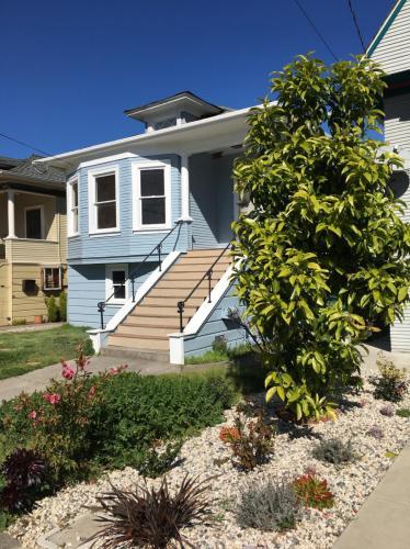 1505 Santa Clara Avenue Photo 1