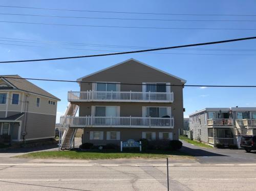 611 Ocean Boulevard #5E Photo 1