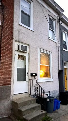 3576 New Queen Street Photo 1