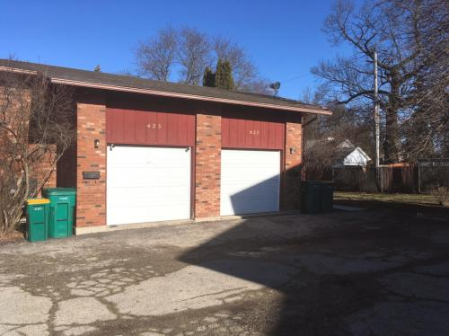 427 E Hillcrest Drive Photo 1