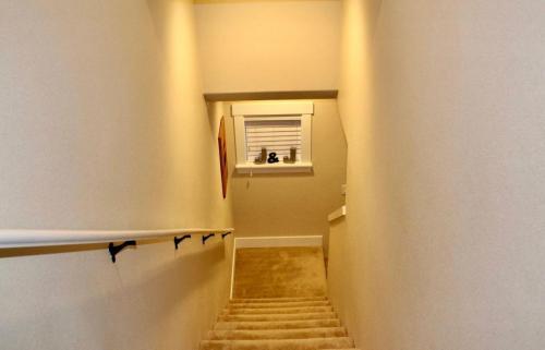 305 SW 204th Terrace Photo 1