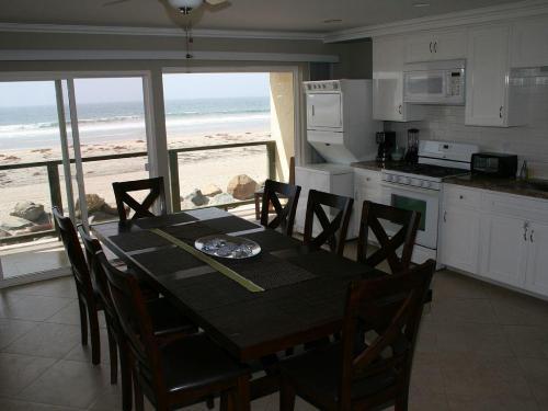 642 Ocean Lane #2 Photo 1