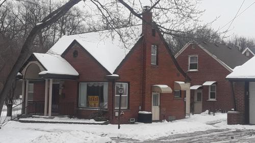 18951 Snow Avenue Photo 1