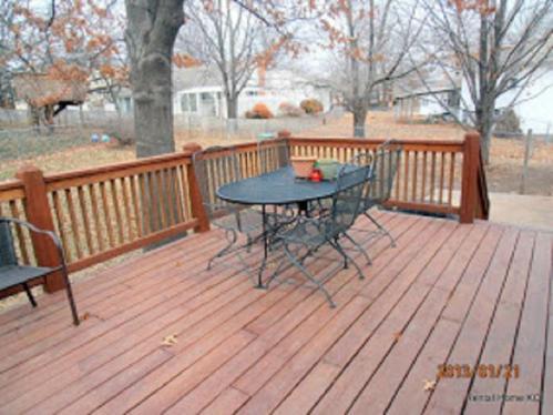 554 E 129th Terrace Photo 1