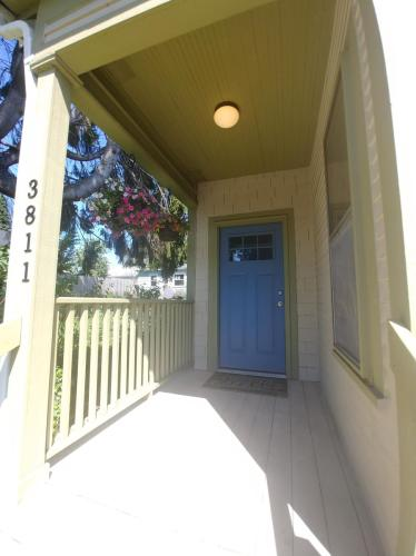 3811 Wetmore Avenue Photo 1