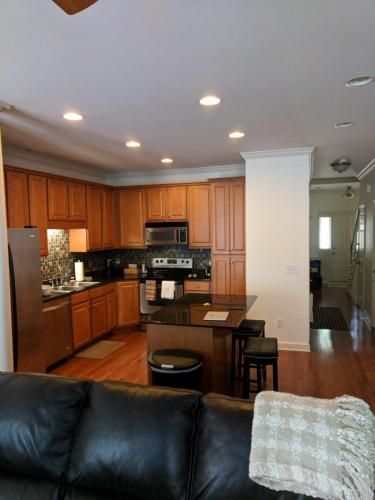 1856 Brentwood Pointe Photo 1