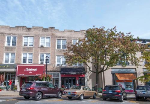 355 Greenwich Avenue #2B Photo 1