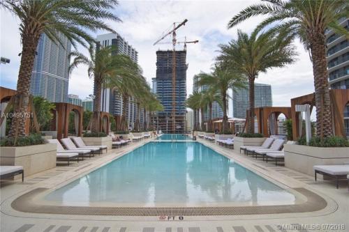 S Miami Avenue Photo 1