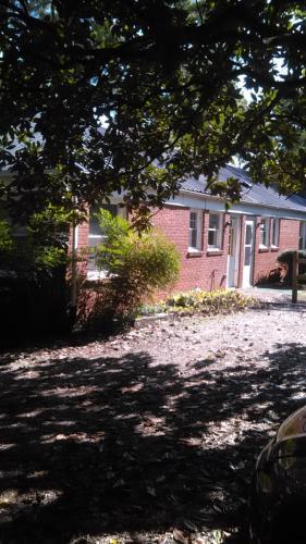 2803 Wade Avenue Photo 1