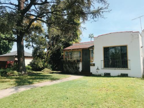 2012 S Sierra Vista Avenue Photo 1